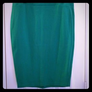 Torrid. Size 1.Tight fit, Kelly Green pencil skirt
